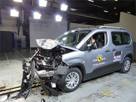Opel/Vauxhall Combo - Frontal Full Width test 2018 - after crash