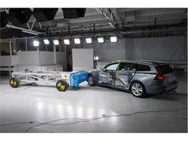 Volvo V60 - Side crash test 2018 - after crash