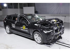 Volvo V60 - Frontal Full Width test 2018 - after crash
