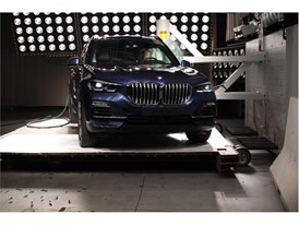BMW X5 - Pole crash test 2018
