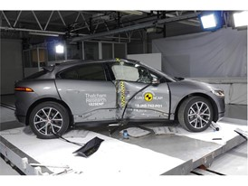 Jaguar I-PACE - Pole crash test 2018 - after crash