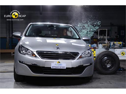 Peugeot 308 - Side crash test 2013