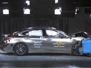 Lexus ES - Frontal Offset Impact test 2018