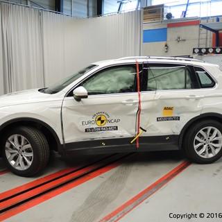 Volkswagen Tiguan- Side crash test 2016 - after crash