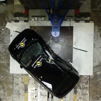Honda e - Side Pole test 2020 - after crash