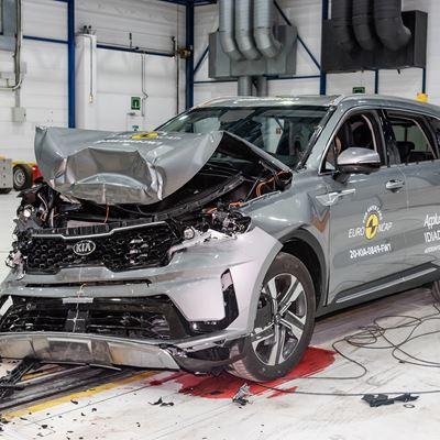Kia Sorento - Full Width Rigid Barrier test 2020 - after crash