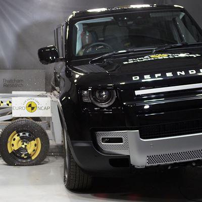 Land Rover Defender - Side Mobile Barrier test 2020