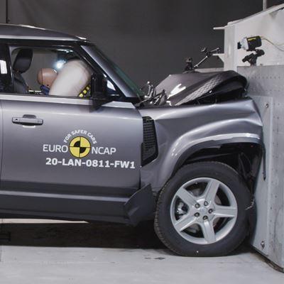 Land Rover Defender - Full Width Rigid Barrier test 2020