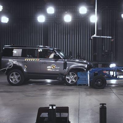 Land Rover Defender - Mobile Progressive Deformable Barrier test 2020