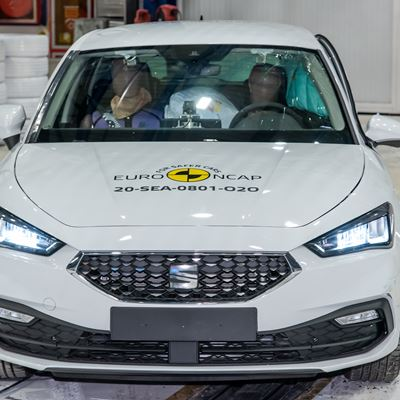 SEAT Leon - Far-Side impact test 2020 - after crash
