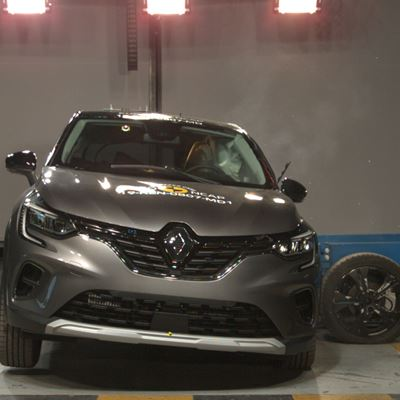 Renault Captur - Side crash test 2019