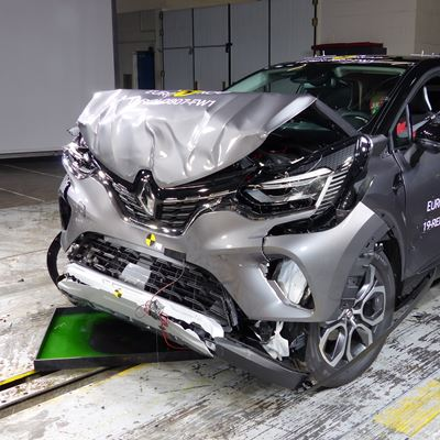 Renault Captur - Frontal Full Width test 2019 - after crash