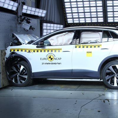VW ID.4 - Full Width Rigid Barrier test 2021