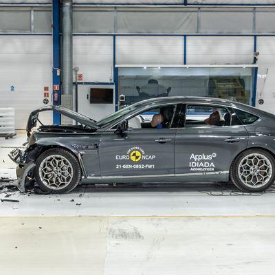 Genesis G80 - Full Width Rigid Barrier test 2021 - after crash