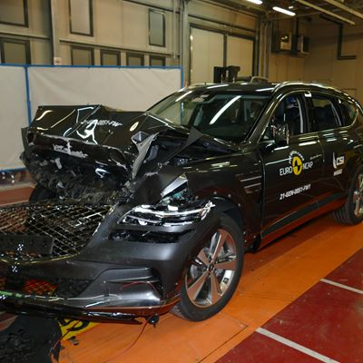 Genesis GV80 - Full Width Rigid Barrier test 2021 - after crash