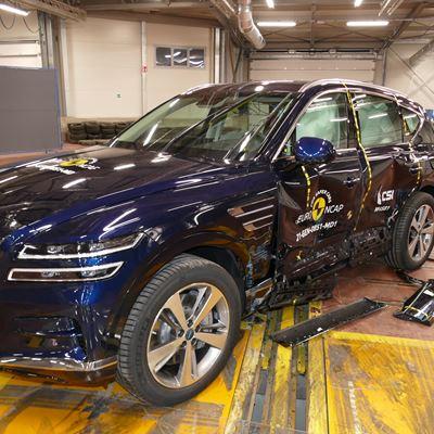 Genesis GV80 - Side Mobile Barrier test 2021 - after crash