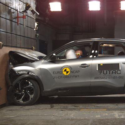 Citroën C4 - Full Width Rigid Barrier test 2021