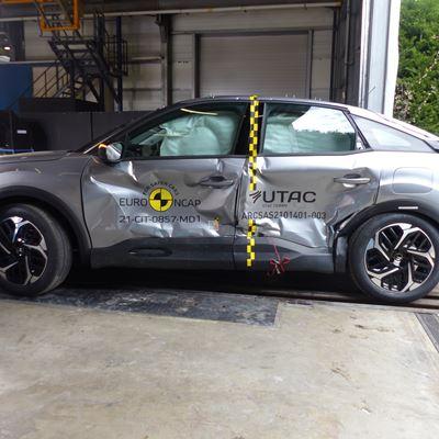 Citroën C4 - Side Mobile Barrier test 2021 - after crash