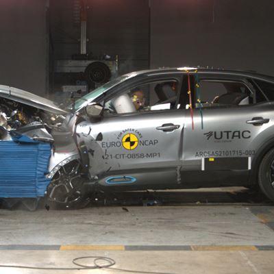 Citroën ë-C4 - Mobile Progressive Deformable Barrier test 2021