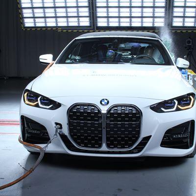 BMW 4 Series Convertible - Side crash test 2019