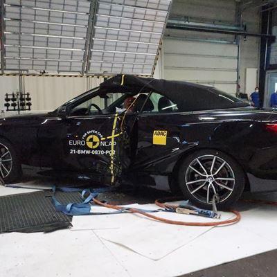 BMW 4 Series Convertible - Pole crash test 2019 - after crash