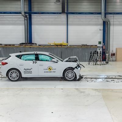 SEAT Leon - Full Width Rigid Barrier test 2020 - after crash