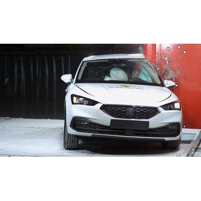 SEAT Leon - Side Pole test 2020
