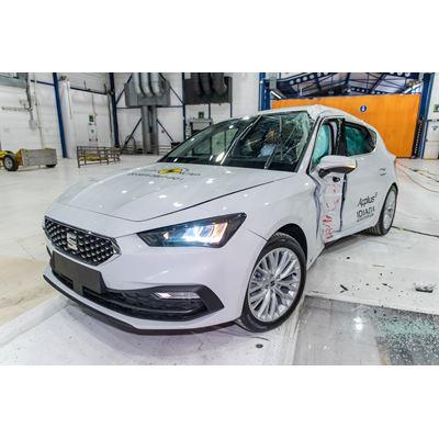 SEAT Leon - Side Pole test 2020 - after crash