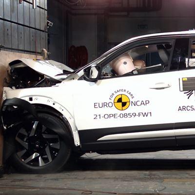 Opel/Vauxhall Mokka - Full Width Rigid Barrier test 2021