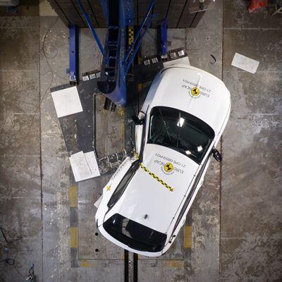 Opel/Vauxhall Mokka - Side Pole test 2021 - after crash