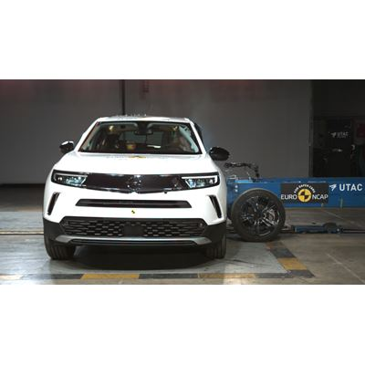 Opel/Vauxhall Mokka-e - Side Mobile Barrier test 2021