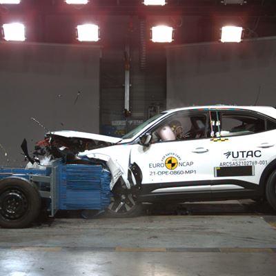 Opel/Vauxhall Mokka-e - Mobile Progressive Deformable Barrier test 2021