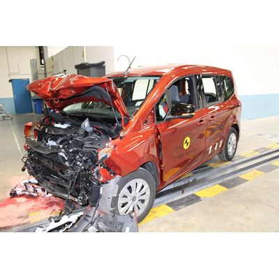 Renault Kangoo - Full Width Rigid Barrier test 2021 - after crash
