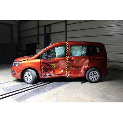 Renault Kangoo - Side Mobile Barrier test 2021 - after crash