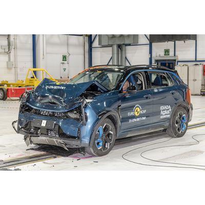 Lynk & Co 01 - Full Width Rigid Barrier test 2021 - after crash