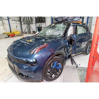Lynk & Co 01 - Side Pole test 2021 - after crash