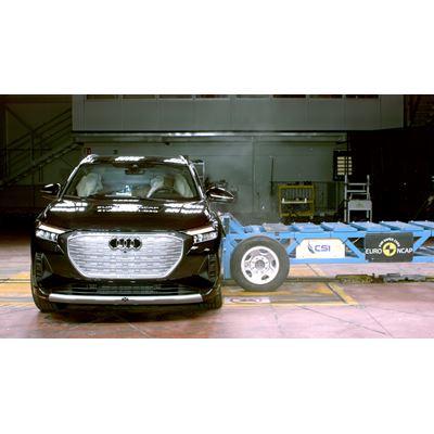 Audi Q4 e-tron - Far-Side impact test 2021
