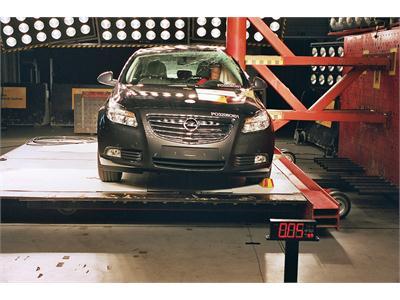 Opel Insignia -  Euro NCAP Results 2009