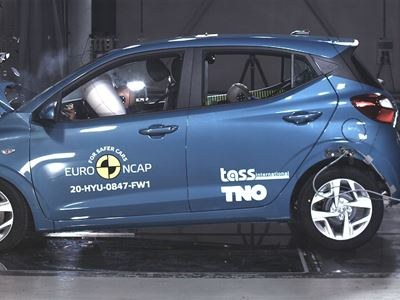 Hyundai i10 - Full Width Rigid Barrier test 2020