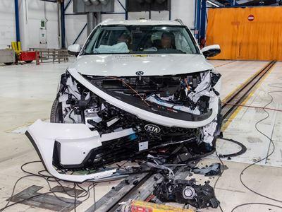Kia Sorento - Mobile Progressive Deformable Barrier test 2020 - after crash
