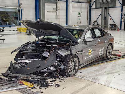 Genesis G80 - Mobile Progressive Deformable Barrier test 2021 - after crash