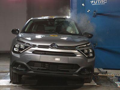 Citroën C4 - Side Pole test 2021