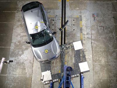 Citroën C4 - Side Pole test 2021 - after crash