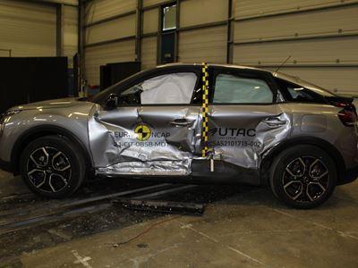 Citroën ë-C4 - Side Mobile Barrier test 2021 - after crash