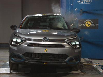 Citroën ë-C4 - Side Pole test 2021