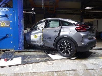 Citroën ë-C4 - Side Pole test 2021 - after crash