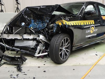 BMW 3 Series - Frontal Offset Impact test 2019 - after crash