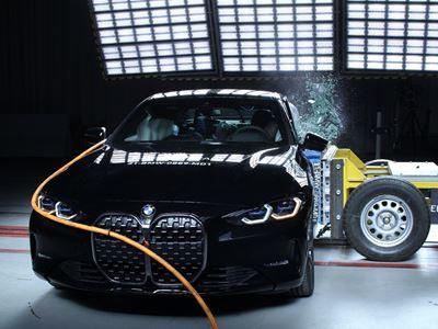 BMW 4 Series Coupé - Side crash test 2019