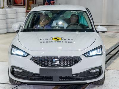 SEAT Leon - Far-Side impact test 2020 - after crash