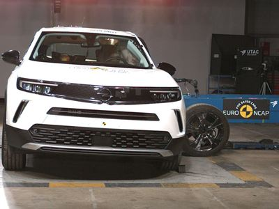 Opel/Vauxhall Mokka - Side Mobile Barrier test 2021